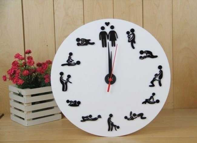29 Funny Clocks That Are Set to LOL O'Clock